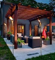 Backyard Decking Ideas by Best 25 Small Deck Space Ideas On Pinterest Building A Patio
