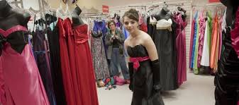 girls travel miles to find perfect dress for prom ljworld com