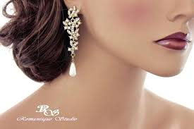 and pearl chandelier earrings and pearl chandelier earrings gold pearl and