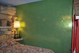 adding glitter wall paint