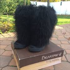 bearpaw s boots sale 55 bearpaw boots bearpaw boetis shaggy boots size 7 from