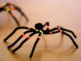 creepy crawly pipe cleaner spiders