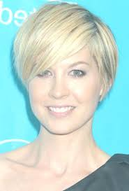short hairstyles with side swept bangs for women over 50 layered short haircuts with side bangs 10646 layered short
