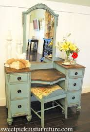 How To Paint A Vanity Top Best 25 Painted Vanity Ideas On Pinterest Vanity Table Vintage