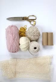 creation avec des rouleaux de papier toilette comment fabriquer une jolie carpette et une façon différente de
