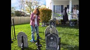 amazing outdoor halloween yard decorations 2016 2017 youtube