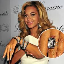 beyonce removing her jay z wedding ring tattoo singer u0027s ink