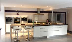 cuisine comtemporaine modele cuisine contemporaine meuble cuisine plaque cbel cuisines
