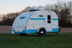 retro campers a look at the riverside retro jr the small trailer enthusiast