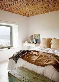 plafond chambre déco chambre de vacances rétro avec plafond canisse