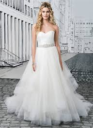 Wedding Dresses For Larger Ladies Bridal Dresses Suitable For Large Busts Tips And Top Picks
