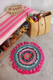 Round Colourful Rugs by Best 10 Circle Rug Ideas On Pinterest Diy Rugs Rug Yarn And