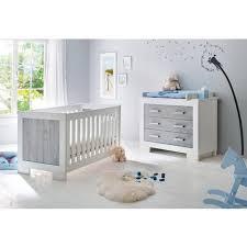 ensemble chambre bébé pas cher ensemble chambre bébé avec lit à barreaux évolutif 140x70 cm et