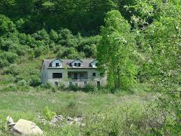 these 10 abandoned buildings in virginia will send chills down