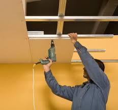 revetement plafond chambre revetement pour plafond pour bien le choisir faux plafonds fixes