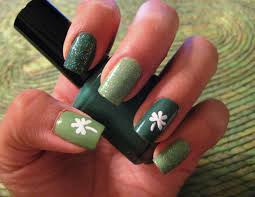 5 finger discount cute holiday nail art on a budget shamrock