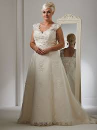 bridal shops glasgow 19 best curvy brides top picks images on wedding