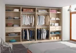 chambre avec placard beau comment aménager un dressing dans une chambre avec placard