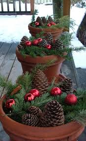 Easy To Make Christmas Decorations For Outside by Best 25 Christmas Planters Ideas On Pinterest Outdoor Christmas