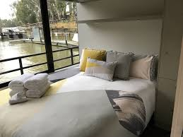 a touch of opulence u2013 murray river houseboats