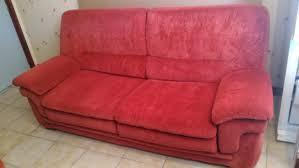 jeter un canapé canape ou jeter un canape peluche gris canapac avec coussins et