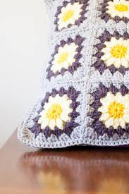 Free Cushion Crochet Patterns Daisy Granny Square Pillow Free Crochet Pattern You Should Craft