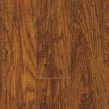 pergo xp highland hickory 10 mm x 4 7 8 in wide x 47 7 8 in