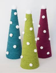 yarnspirations com bernat christmas trees patterns