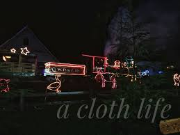 Zoo Lights Oregon by A Cloth Life Christmastime Traditions Zoolights At The Oregon Zoo