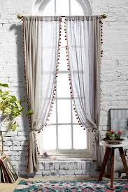How To Measure Windows For Curtains by How To Update Your Home For Under 100 Bedrooms Curtain Ideas