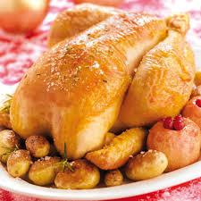 cuisine chapon roti recette chapon fermier rôti aux deux pommes cuisine madame figaro