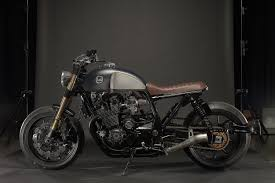 yamaha sr400 reimagined as a light touring machine looks cool