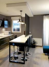 cuisine ouverte ilot central verrière cuisine ouverte ilot central suspension métal noir