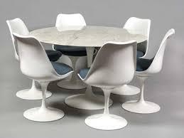 table ronde avec chaises chaise pour table ronde intérieur déco