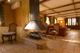 file la renaissance hotel barge saloon and log fire jpg
