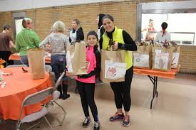 thanksgiving dinner delivery thanksgiving 2016 cristo rey community center