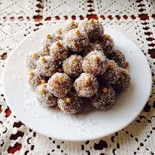 cuisine serbe kokosove kuglice boules de coco à la serbe cuisine serbe balkans
