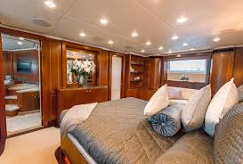 Yacht Bedroom by Masteka 2 Yacht Luxury Kingship Motor Yacht For Charter With