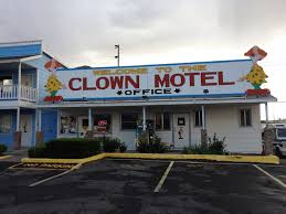 this creepy clown motel is now for sale u2013 kosi 101