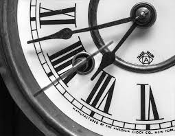 Beautiful Clocks by Clock In Where To Find Beautiful Vintage Clocks Homes And Antiques