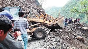 imagenes de sud yungas una caminata exige asfaltado de la carretera a chulumani la razón