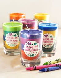 diy crayon candles gift favor ideas from evermine