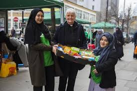 London Muslims donate    tonnes of food for homeless at Christmas     Evening Standard