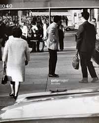 jackie onassis and caroline kennedy arriving at their 5th ave