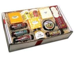 wisconsin cheese gift baskets deluxe wisconsin cheese and sausage gift box