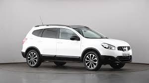 nissan white car used nissan qashqai 2 1 6 117 360 5dr white st63yoc