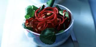 cuisiner betterave crue salade de betteraves crues aux pommes facile et pas cher recette