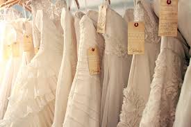 when to shop for a wedding dress how to shop for your wedding dress