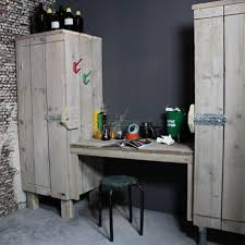 bureau of met bureau met 2 kasten bij zomerzoen nl