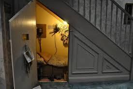 harry potter et la chambre la chambre sous l escalier au 4 privet drive picture of warner